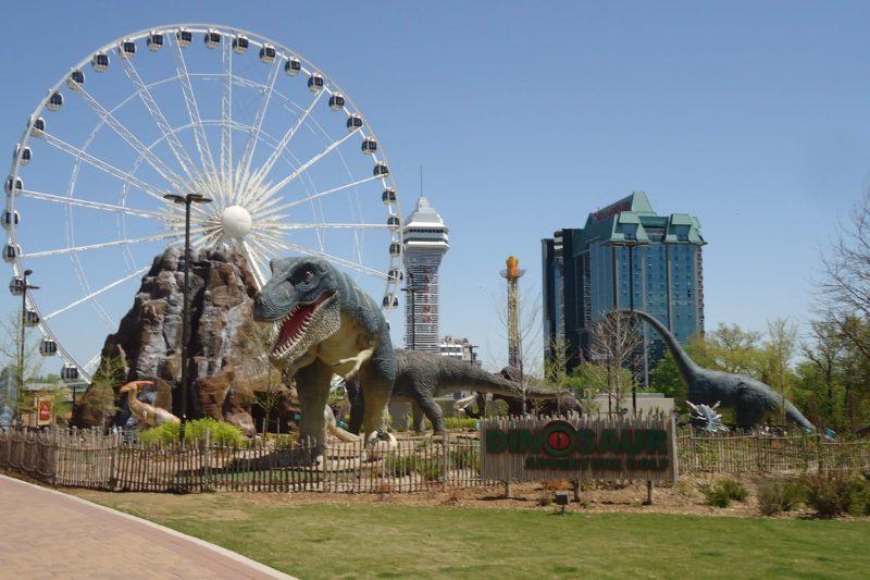 観覧車と恐竜